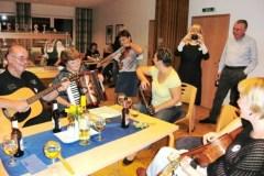 14Nase-improvizovana-kapela